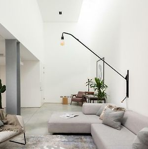 The Chelsea Walk Modern And Bright 3Bdr House With Rooftop And Parking photos Exterior
