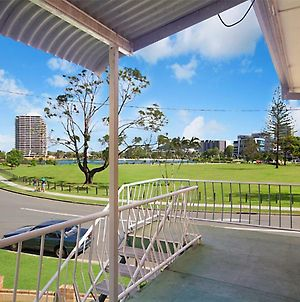 Kawana Lodge Unit 5 - Neat And Tidy And Close To Beaches, Clubs And Cafes photos Exterior