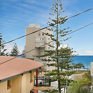 Torbay Unit 1 - On The Hill Overlooking Rainbow Bay Coolangatta photos Exterior