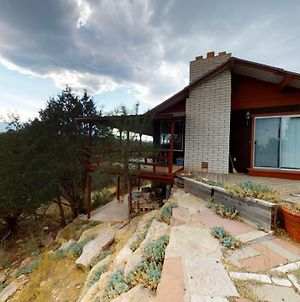 Hideout Ft Abajo 2 Bedroom Cabin, Stunning Views, Secluded! photos Exterior