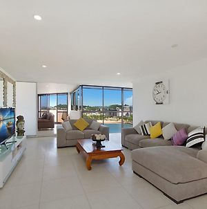 Yacht Harbour Towers Unit 7E - Three Bedroom Penthouse On The Hill Overlooking The Tweed River photos Exterior