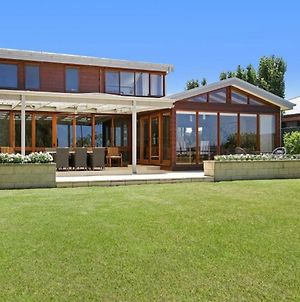 Lake House 61 Mulwala photos Exterior