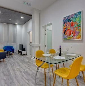 Stylish 3Br Apartment Fantastic Location In Sliema photos Exterior
