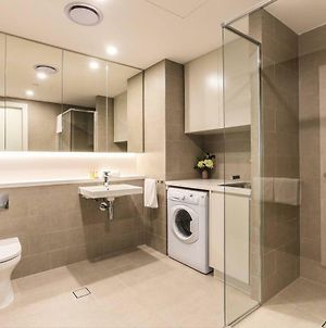 Highrise One Bed Apartment @ Olympic Park Wifi photos Exterior