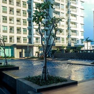Simply Spacious 1Br Apartment At Green Bay Pluit By Travelio photos Exterior