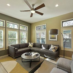 Stylish 3Br In Austin By Redawning photos Exterior