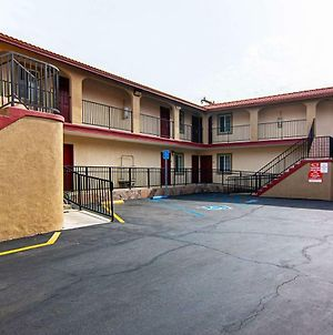 Econo Lodge Long Beach I-405 photos Exterior