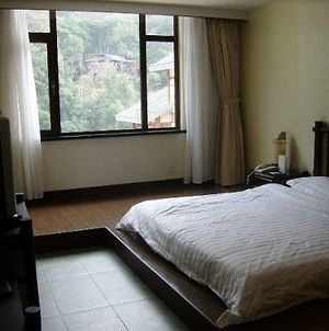 Long Sheng Hot Spring Resort Hotel photos Room
