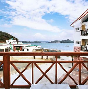 Tongyeong Blue Marine Pension photos Exterior