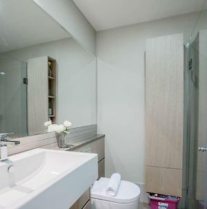 Cozy One Bed Apt At West Melbourne With Great View photos Exterior