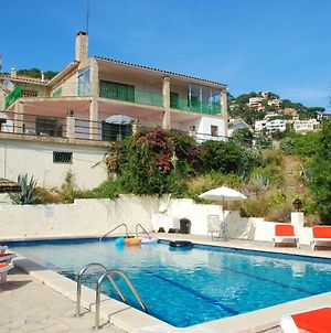 Modern Holiday Home In Lloret De Mar With Swimming Pool photos Exterior