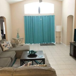 Gorgeous 4 Bedroom 3 Bath Pool Home In West Haven photos Exterior