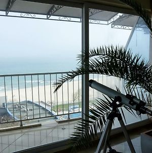 Spacious 2-Bd Amazing Beachfront View - Varna Port photos Exterior