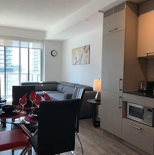 Premium Furnished Condo Rogers Centre Toronto-27 photos Exterior