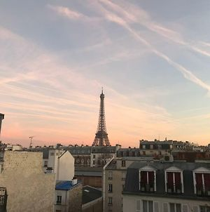 Beautiful Apartment With Eiffel Tower View photos Exterior