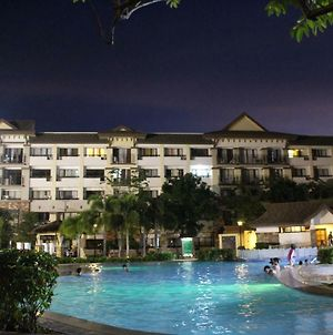 One Oasis Right At The Back Of Sm Mall Davao Free Pool photos Exterior