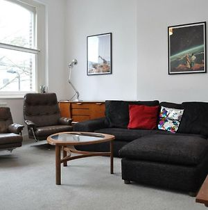 Bright 2 Bedroom Flat In Great Location photos Exterior