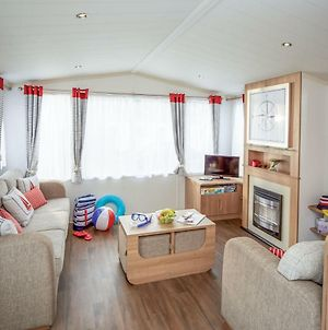 Holiday Home Caravan Perran Sands-5 photos Exterior