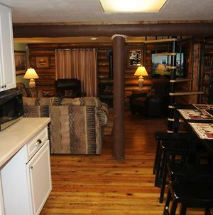 Yellowstone Self Catering Lodging Adults Only photos Exterior