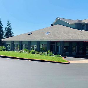 Surestay Plus Hotel By Best Western Redding photos Exterior