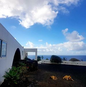 Magnificent Rural One Bedroom Apartment By The Sea photos Exterior