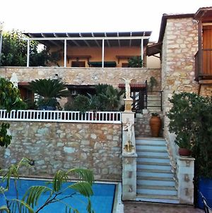 House And Studio Annexed - Ideal Large Families- Small Village,Close Beaches photos Exterior