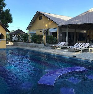Relax At Pool All Day Wail Enjoying The Amenities Of Your Bungalow photos Exterior