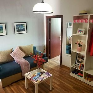 Plovdiv Top Center 2Bdrm 1Bath Apart 5Min Away From Everything photos Exterior