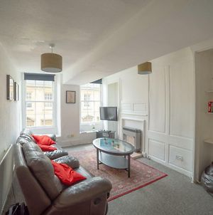 Westgate Apartment - Beautiful Apartment Right In The Heart Of The City! photos Exterior