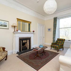 Lovely New Town 2 Bedroom Flat With Fireplace photos Exterior