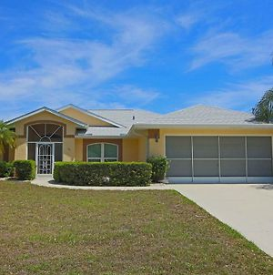 Cozy, Very Affordable, 3 Beds, 2 Baths, Solar Or Optional Electric Heated Pool. photos Exterior