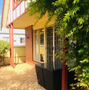 Heart Of Geelong Entire Townhouse Sleeps 8 photos Exterior