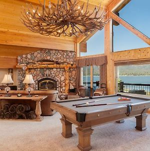 No. 27 Incredible Lakefront Lodge Home photos Exterior
