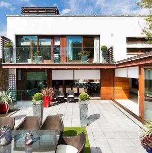 Modern Elegance Steps From The Aviva Home Cinema photos Exterior
