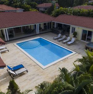 Private Villa! All Bedrooms /W Tvs And In Livingroom photos Exterior