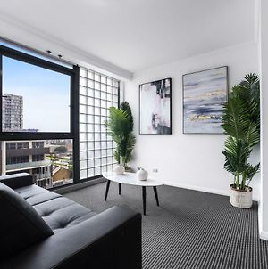 Stylish And Spacious Apt With Double Living Room photos Exterior