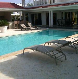 Vacation Villa Gated Only Minutes From Downtown photos Exterior