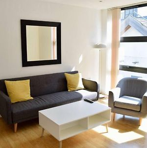 Modern 1 Bedroom Flat In Canary Wharf photos Exterior