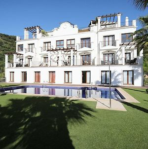 A Beautiful Modern Villa In Benahavis Hills photos Exterior