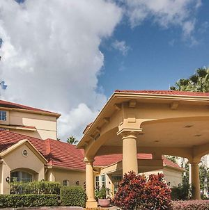 La Quinta Inn & Suites By Wyndham Orlando Airport North photos Exterior