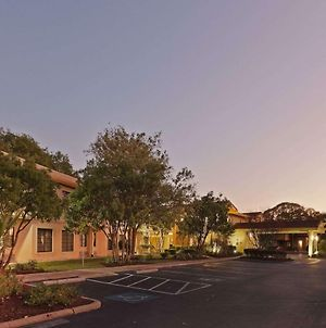 La Quinta Inn By Wyndham Austin Oltorf photos Exterior