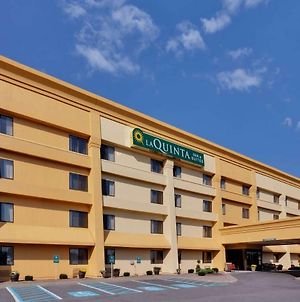 La Quinta Inn & Suites By Wyndham Plattsburgh photos Exterior