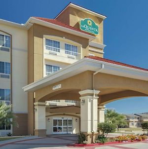 La Quinta Inn & Suites By Wyndham Corsicana photos Exterior