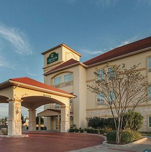 La Quinta Inn & Suites By Wyndham Waxahachie photos Exterior