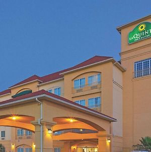 La Quinta Inn & Suites By Wyndham Columbus Tx photos Exterior