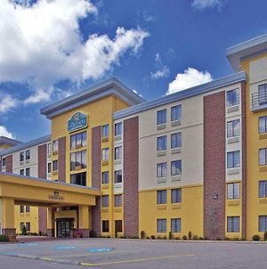 La Quinta Inn & Suites By Wyndham Elkview - Charleston Ne photos Exterior