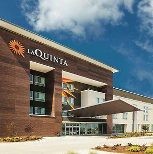 La Quinta Inn & Suites By Wyndham Wichita Northeast photos Exterior
