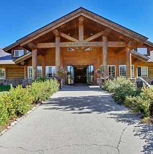 Headwaters Lodge & Cabins At Flagg Ranch photos Exterior