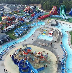 Cape Cod Family Resort And Inflatable Park photos Exterior