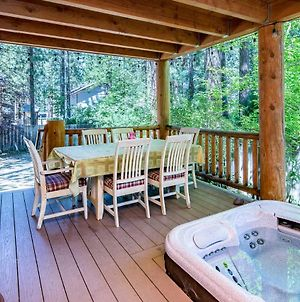 Two-Deck Cabin On Forest Land photos Exterior